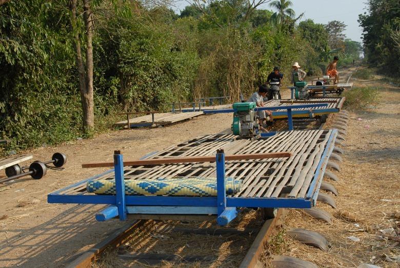 Бамбуковые поезда