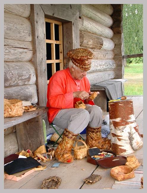 Плетение из лозы в селе Иза