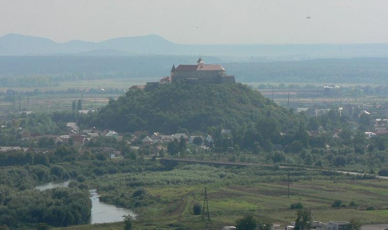 Мукачевский замок или замок-Паланок. Фото.