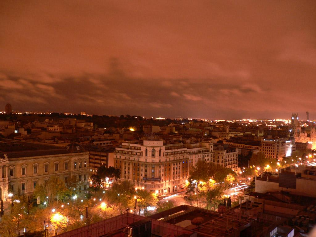 Город Мадрид – столица Испании. Карта города, фото, видео ...: http://webmandry.com/gorod-madrid-stolitsa-ispanii-karta-goroda-foto-video-dostoprimechatelnosti-madrida/