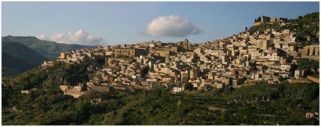 Franz Bauer. Сицилия - остров красивых легенд, мифов и древних цивилизаций