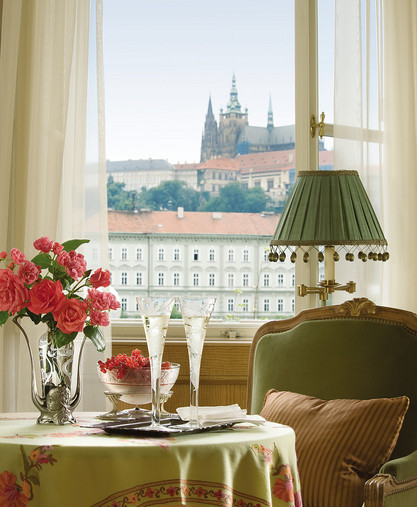 отель Four Seasons Hotel Prague
