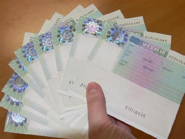 Начиная с 2013 г. все граждане, у которых есть на руках шенгенская виза