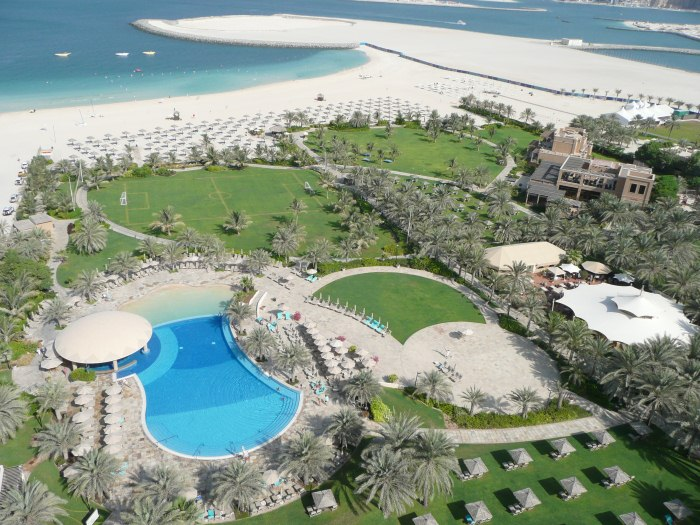 09DubaiMarineBeachResortSpa
