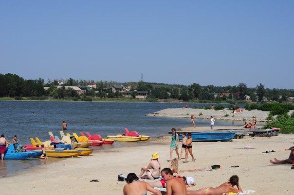 Пляж ростовское море 45