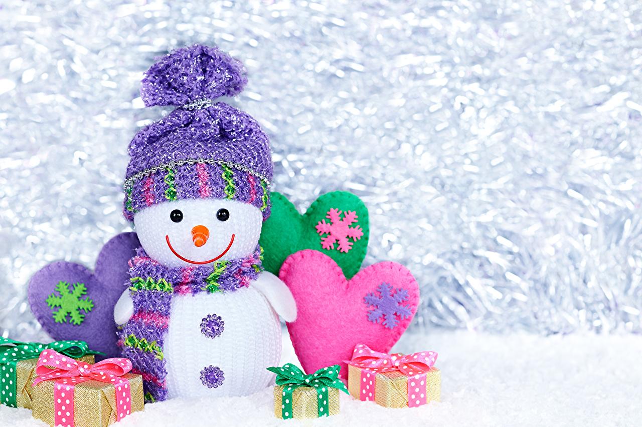 Новогодние обои со снеговиками