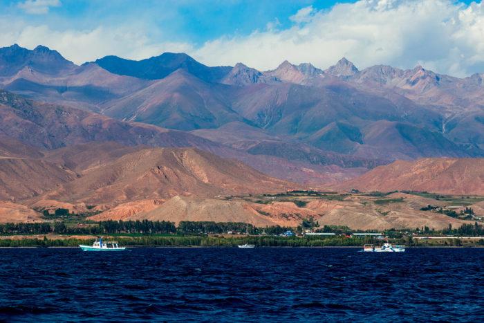 Самые глубокие озера мира - Иссык - Куль