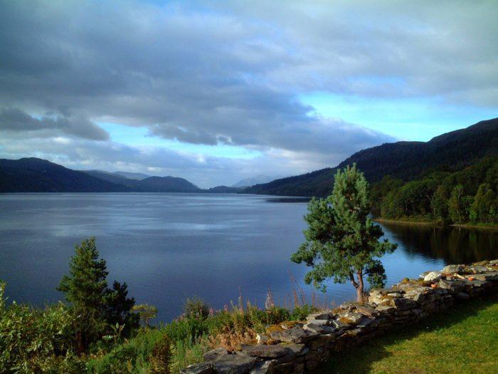 Самые популярные озера мира - озеро Лох-Несс