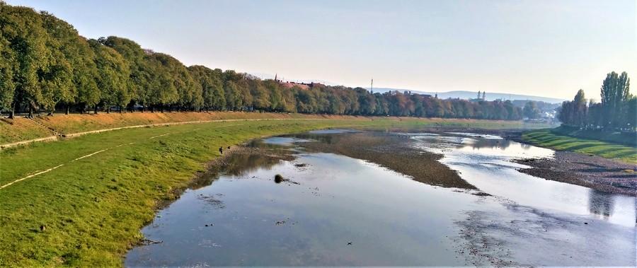 Ужгородская Липовая аллея - вид с моста Масарика
