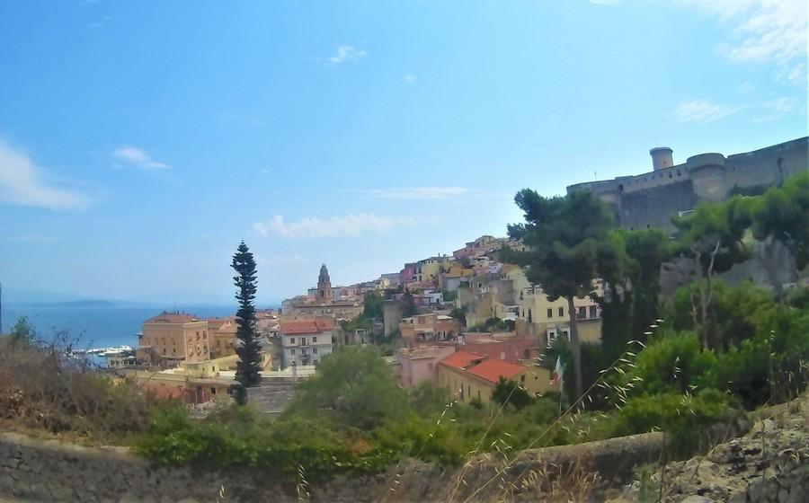 Гаэта Италия фото итальянского города и достопримечательностей