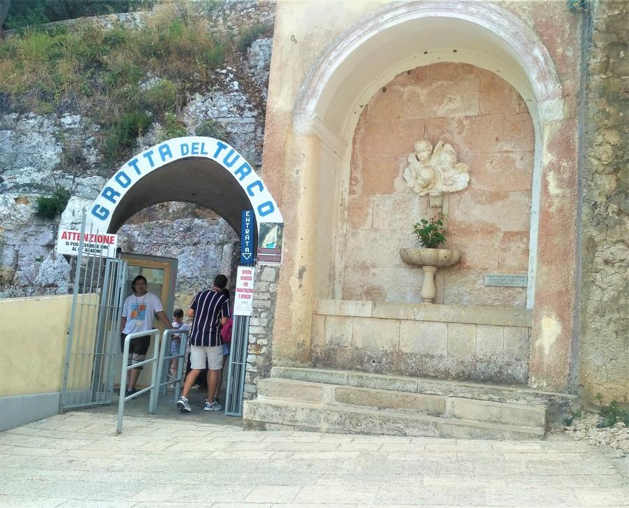 Грот Турка (La Grotta del Turco)
