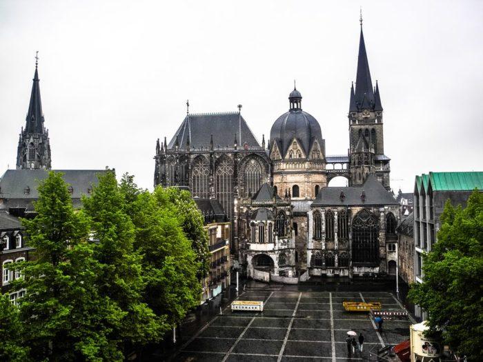 Ахенский собор(нем. Aachener Dom, Aachener Münster, Kaiserdom)